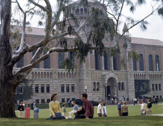 Royce Quad 1940s. Photo credit: UCLA